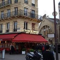 Photo taken at Le Relais de Venise by Sophie E. on 5/4/2012