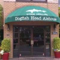 Photo taken at Dogfish Head Alehouse by Patti C. on 4/28/2012