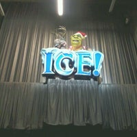 Photo taken at ICE! & SNOW Tubing - Gaylord Texan by Raymond G. on 1/1/2012
