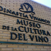 Photo taken at Dinastia Vivanco by Nacho A. on 5/25/2012