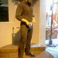 Photo taken at Madame Tussauds Las Vegas by Stephanie W. on 1/5/2012