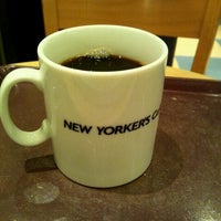 Photo taken at NEW YORKER'S Cafe 町田店 by tie t. on 11/24/2011