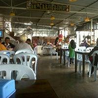 Photo taken at Restoran Hambali by Meen E. on 10/9/2011