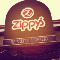 Photo taken at Zippy's McCully by Daniel B. on 3/18/2012