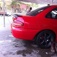 Photo taken at DIC Car Wash by Hananra on 5/10/2011