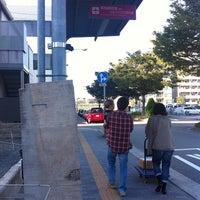 Photo taken at 阪神西宮駅 リムジンバスのりば(NS1) by Jo-Ah P. on 9/24/2011