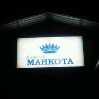 Photo taken at Mahkota Swalayan Parakan by Dhanny on 12/24/2011