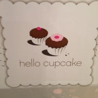 Photo taken at Hello Cupcake by Dante F. on 8/8/2012