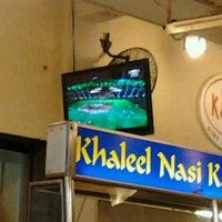 Photo taken at Restoran Khaleel by Faradinda N. on 11/11/2011