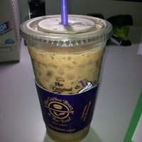 Photo taken at The Coffee Bean & Tea Leaf® by Adam C. on 9/2/2011
