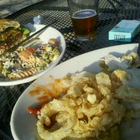Photo taken at Abbey Road Tavern & Grill by Flores N. on 9/28/2011
