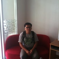 Photo taken at Jomtien hostel by Rapoehcute on 5/17/2012
