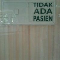 Photo taken at Puskesmas Kecamatan Cilandak by Anisa D. on 3/20/2012