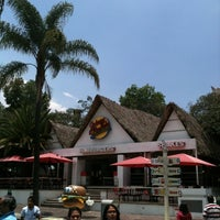 Photo taken at Johnny Rockets by Carlos R. on 7/27/2012