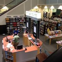 Photo taken at Barnes & Noble by Endira H. on 5/18/2012