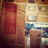 Photo taken at McDonald's by Amunzer l. on 3/18/2012
