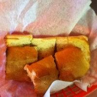 Photo taken at Petey's NY Pizza by Zakiya on 11/17/2011
