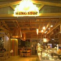 Photo taken at Wing Stop by ibrahim K. on 7/27/2011