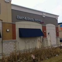 Photo taken at Bath & Body Works Outlet by Melvin N. on 1/29/2012