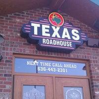 Photo taken at Texas Roadhouse by Malachi C. on 6/5/2011