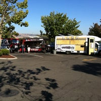 Photo taken at Union City Street Eats by Ed L. on 9/22/2011