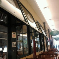 Photo taken at Applebee´s by Olivia U. on 6/17/2012