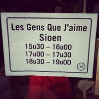 Photo taken at Les Gens Que J'Aime by Sioen F. on 7/11/2012