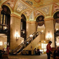 Photo taken at Palmer House - A Hilton Hotel by 💋JinkyJane✈✈✈🇺🇸 on 9/11/2012