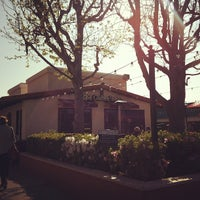 Photo taken at The Coffee Bean & Tea Leaf® by Susie O. on 3/14/2012