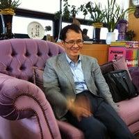 Photo taken at 교육자치연구소 by 영애 이. on 5/26/2012