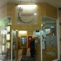 Photo taken at Sushihana by Oscar C. on 1/28/2012