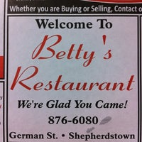 Photo taken at Betty's Restaurant by Jabe B. on 3/27/2011