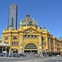 Photo taken at Flinders Street Station by snarkle on 12/21/2010