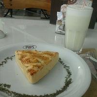 Photo taken at Fran's Café by Rafael F. on 3/22/2012