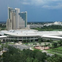 Photo taken at Rosen Centre Hotel by Whinter on 8/22/2012