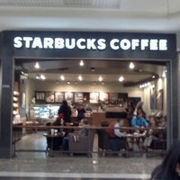 Photo taken at Starbucks by Polo C. T. on 6/12/2012