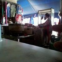 Photo taken at เจ้าพระยาโภชนา2 by วงหวิ๋น น. on 3/16/2012