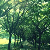 Photo taken at Lapangan Karebosi by Stevent F. on 4/21/2012