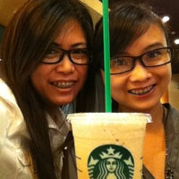 Photo taken at Starbucks by Gesille B. on 10/28/2011