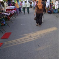 Photo taken at Pasar Malam Kok Mak by z a m on 1/25/2012