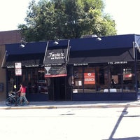 Photo taken at Drew's on Halsted by Mintie on 9/4/2011
