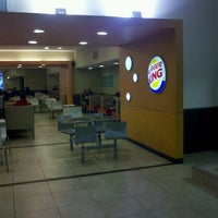 Photo taken at Burger King by Gabriel A. on 5/31/2012