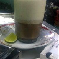 Photo taken at Da nal cafe by abenk h. on 2/6/2012