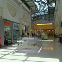 Photo taken at Shopping Iguatemi by Kyoshi T. on 8/6/2012