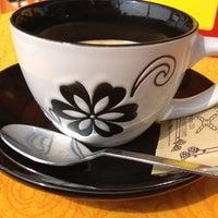 Photo taken at Pan e Cafe' by Eleonora G. on 4/2/2012