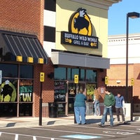 Photo taken at Buffalo Wild Wings by Swampthing on 12/9/2011