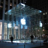 Photo taken at Apple Fifth Avenue by Isaiah D. on 3/1/2012