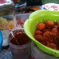 Photo taken at Yaek Krungthep Kritha Market by Sofia🍒 on 7/19/2012
