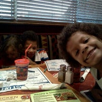 Photo taken at Red Robin Gourmet Burgers by Chanda K. on 11/1/2011