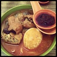 Photo taken at Asia Laksa, Jalan Tok Ungku by Aaron C. on 9/5/2012